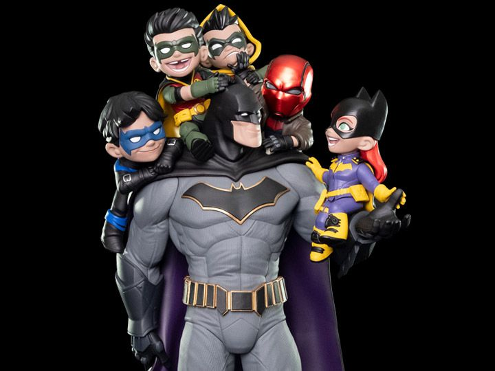 PRÉ-VENDA Diorama Batman Family: DC Comics (Q-Master) - Quantum Mechanix