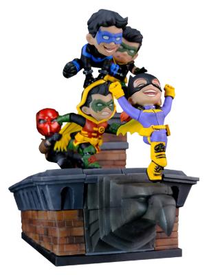 PRÉ VENDA: Diorama Batman Family Knight: DC Comics (Q-Master) - Quantum Mechanix