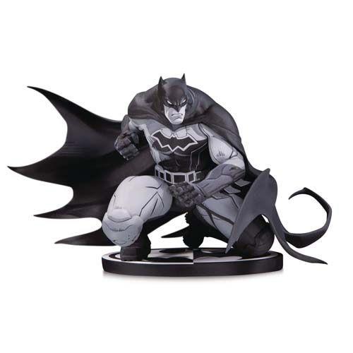 PRÉ VENDA Estátua Batman Black and White (Joe Madureira): Dc Comics (Limited Edition) - DC Collectibles