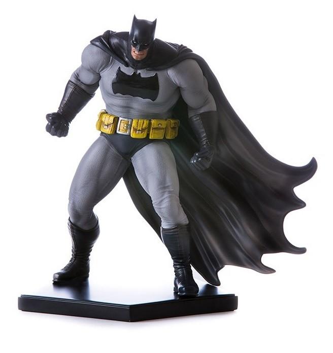 Estátua Batman Dark Knight: Batman Arkham Knight DLC Series Art Scale Escala 1/10 - Iron Studios