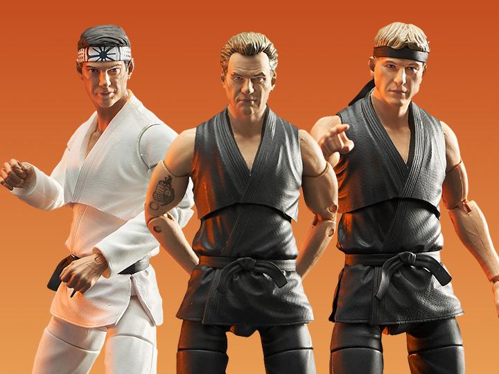 PRÉ VENDA: Pack 3 Action Figure Colecionável Danny LaRusso, Johnny Lawrence & John Kreese: Cobra Kai The Karate Kid - Diamond Select Toys