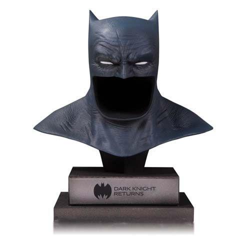 PRÉ VENDA Réplica Máscara Batman: O Cavaleiro das Trevas (Dark Knight Returns) Frank Miller (DC Gallery) - DC Collectibles