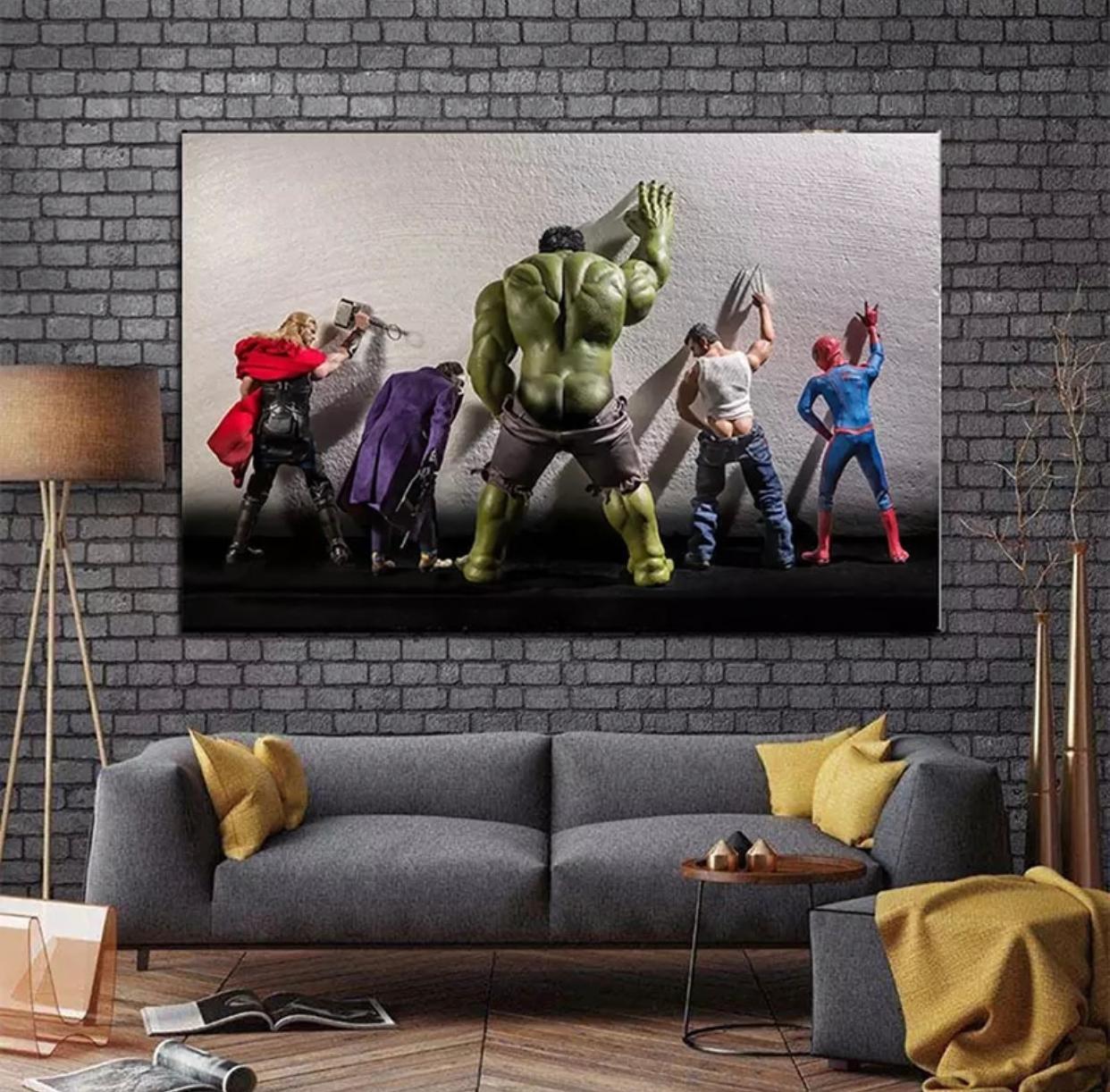 Quadro Canvas Com Moldura 60x80 Super Herois Marvel Mijando Thor, Coringa, Hulk, Wolverine e Homem Aranha - EV