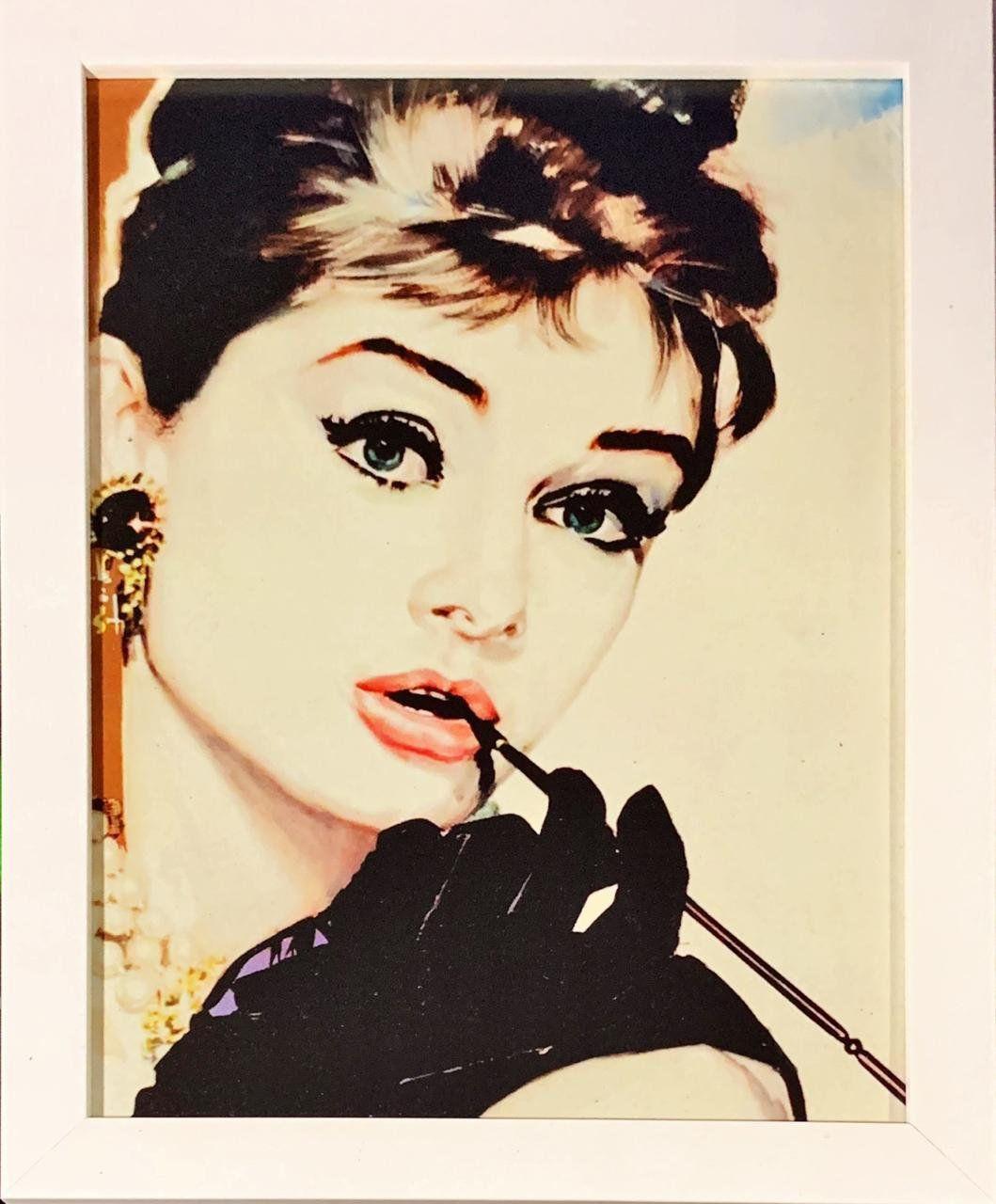 Quadro com Moldura Branca Holly Golightly: Bonequinha de Luxo (24x29)