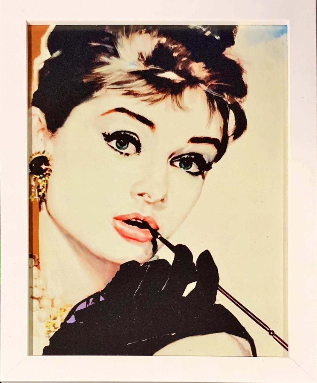 Quadro com Moldura Branca Holly Golightly: Bonequinha de Luxo