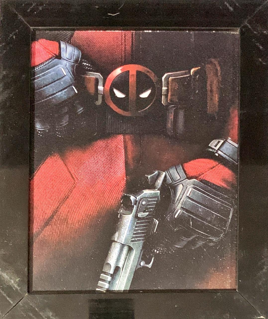 Quadro com Moldura Cinturão Deadpool: Deadpool - O Filme - 24x29  - Toyshow Geek e Colecionáveis Tudo em Marvel DC Netflix Vídeo Games