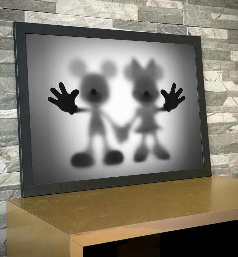 Quadro Com Moldura Mickey Mouse e Minnie Desaparecimento Raio X Biombo Disney - 46x33 - EV