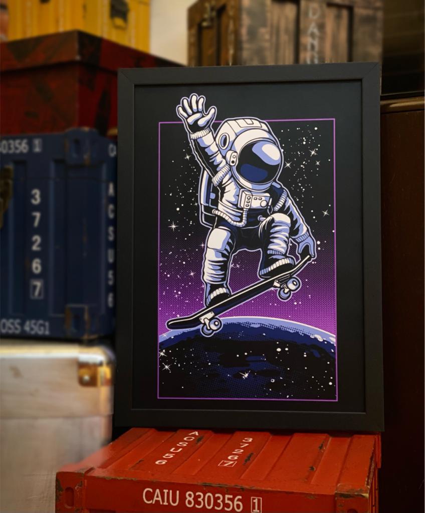 Quadro Com Moldura Space Nasa Skate Moon Ollie Astronauts Astronauta - 46x33 - EV