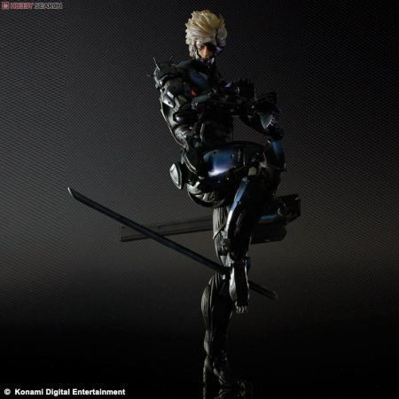 Raiden Metal Gear Rising - Play Arts Kai