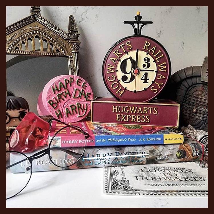 Relógio de Mesa Expresso Hogwarts Plataforma 9 3/4: Harry Potter - MKP