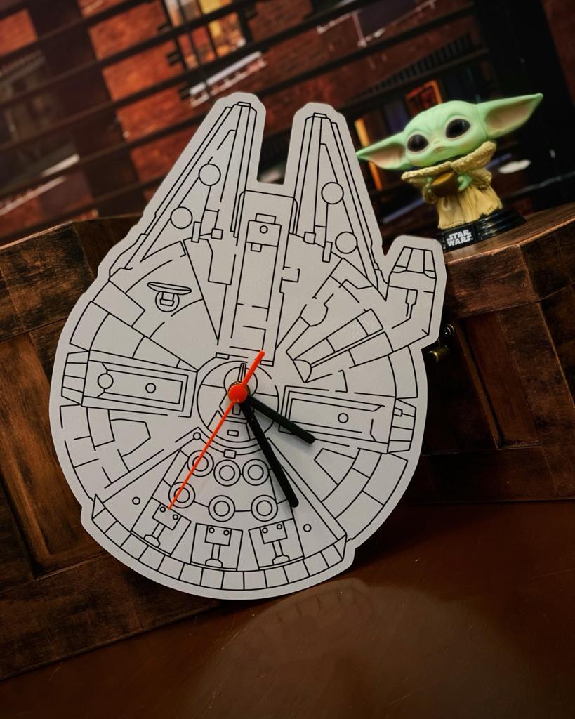 Relógio de Parede: Millenium Falcon Star Wars - EV