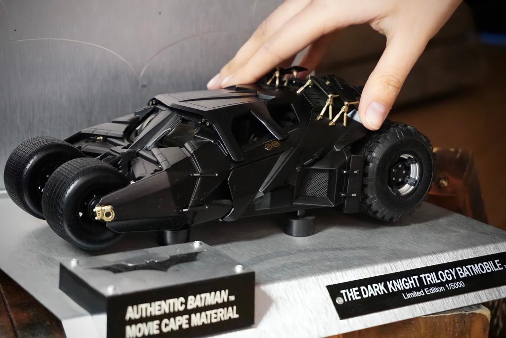 Replica Carro Batmóvel Batmobile Tumbler: Trilogia Batman Cavaleiro das Trevas Edição Limitada Limited Edition Die Cast Escala 1/18 - Hot Wheels