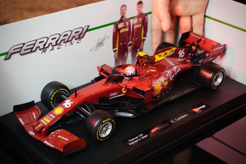 Réplica Carro de Formula 1 F1 Ferrari Racing Tuscan GP SF 1000 C. Leclerc 1/18 Race - Bburago