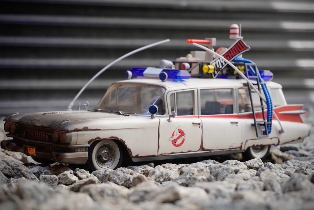Réplica Carro Ecto - 1 Os Caça Fantasmas Ghostbusters Plasma Series Escala 1/18 E9557 - Hasbro