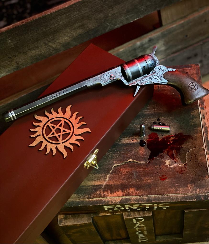 Réplica Decorativa Arma O Colt The Colt: Supernatural - EV