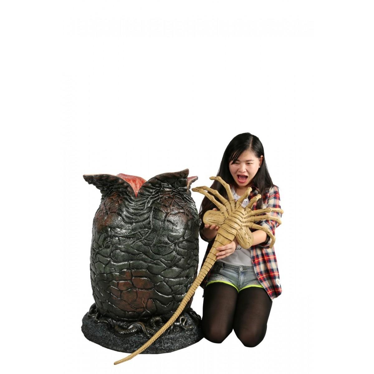 Réplica Ovo Alien e Xenomorfo (Egg and Facehugger) Life Size Prop Replica Escala 1/1 - NECA - CD