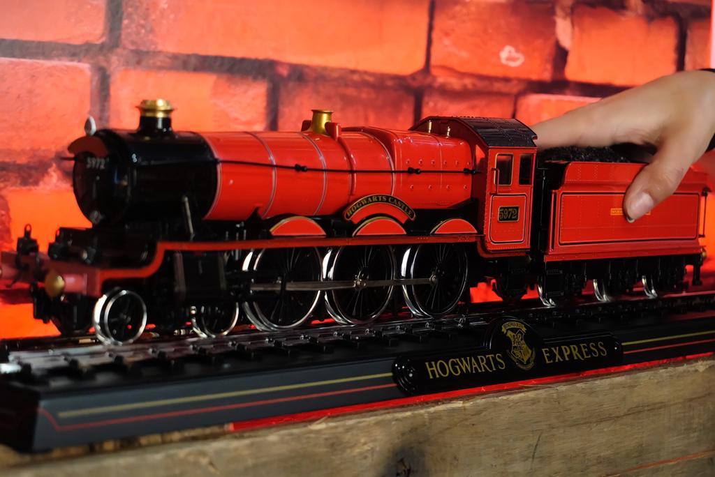 Réplica Trem Expresso para Hogwarts Express Die Cast: Harry Potter - Noble Collection