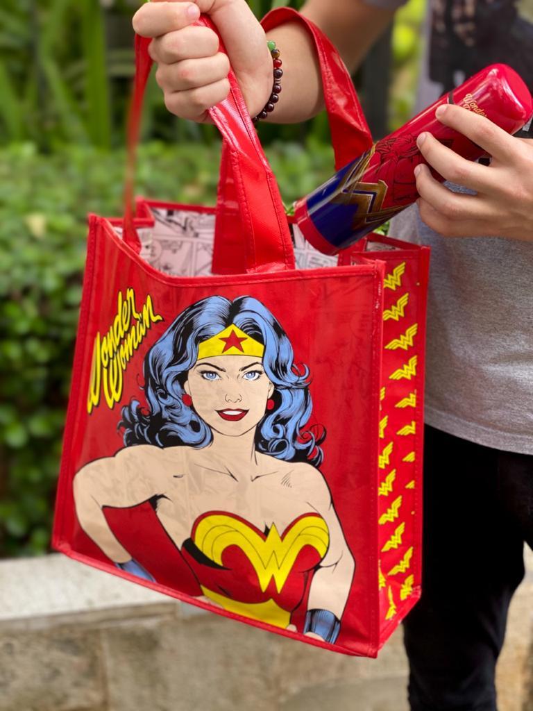 Bolsa/Sacola Mulher-Maravilha (Wonder Woman) Quadrinhos: Mulher-Maravilha (Wonder Woman) DC Comics - Urban