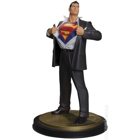 Superman Mini Estátua