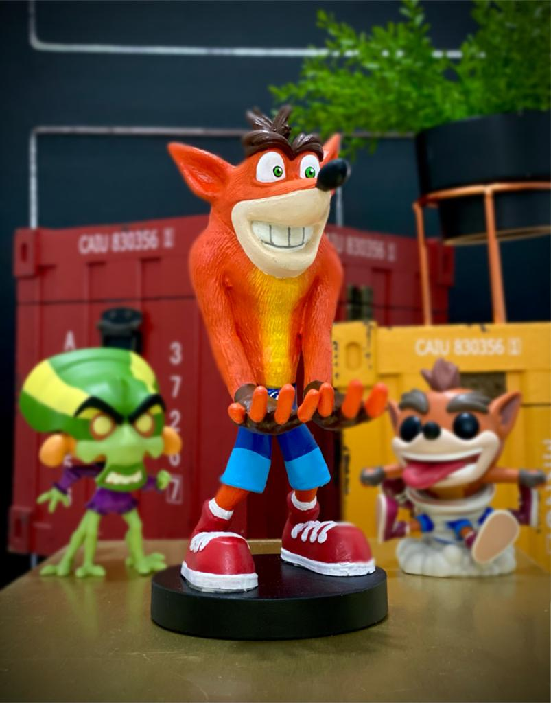 Suporte Para Celular e Controle de Vídeo Game: Crash Bandicoot - EV