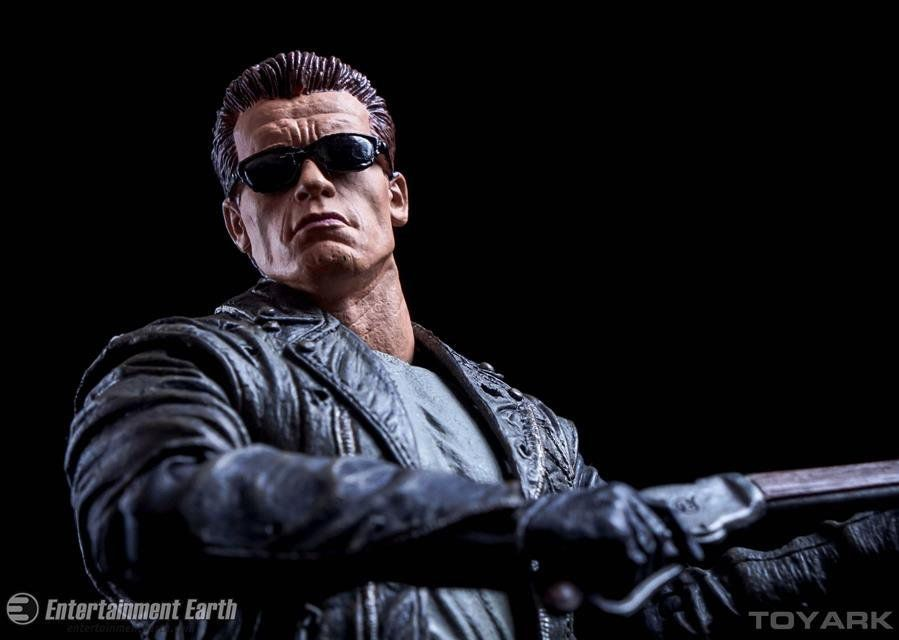 Boneco Ultimate T-800: O Exterminador do Futuro 2: O Julgamento Final (Terminator 2) - Neca