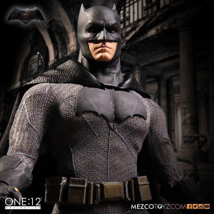 The One: 12 Collective Batman Vs Superman : Batman - Mezco