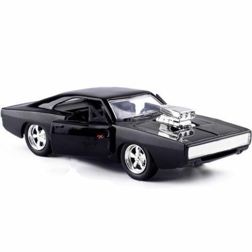 Velozes e Furiosos: Dom's 1970 Dodge Charger R/T Die Cast Escala 1/32