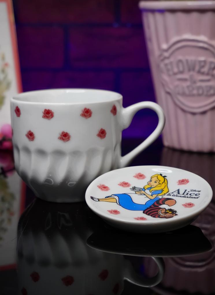 Xícara Com Tampa Princesa Alice: Alice No País Das Maravilhas Branca 350ml - Disney