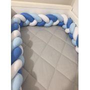 Protetor de Berço  em Trança Azul Cobalto,Azul Bebê e Branco 4m
