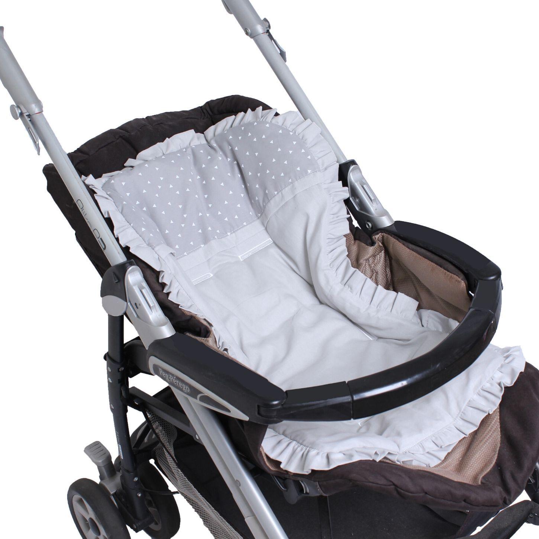Capa de Carrinho com Almofadinha Triângulo Branco com o Fundo Cinza  - Toca do Bebê
