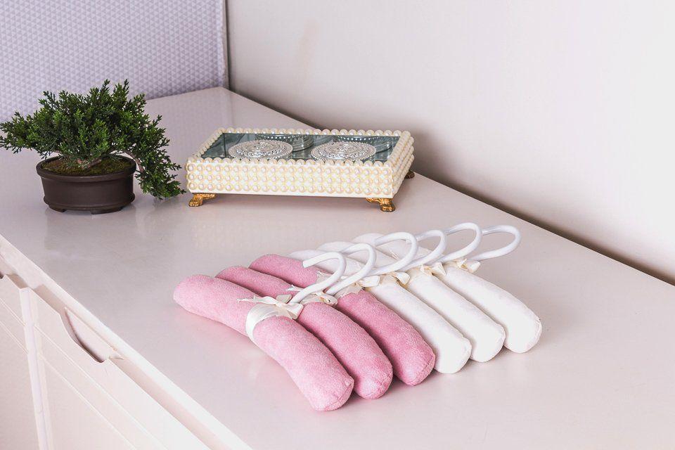 Jogo de Cabides Suede Branco e Rosa  - Toca do Bebê