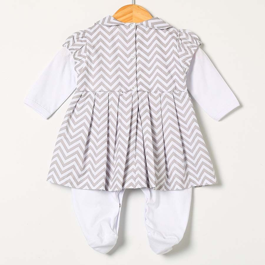 Macacão Longo Luxo Branco e Cinza  - Toca do Bebê