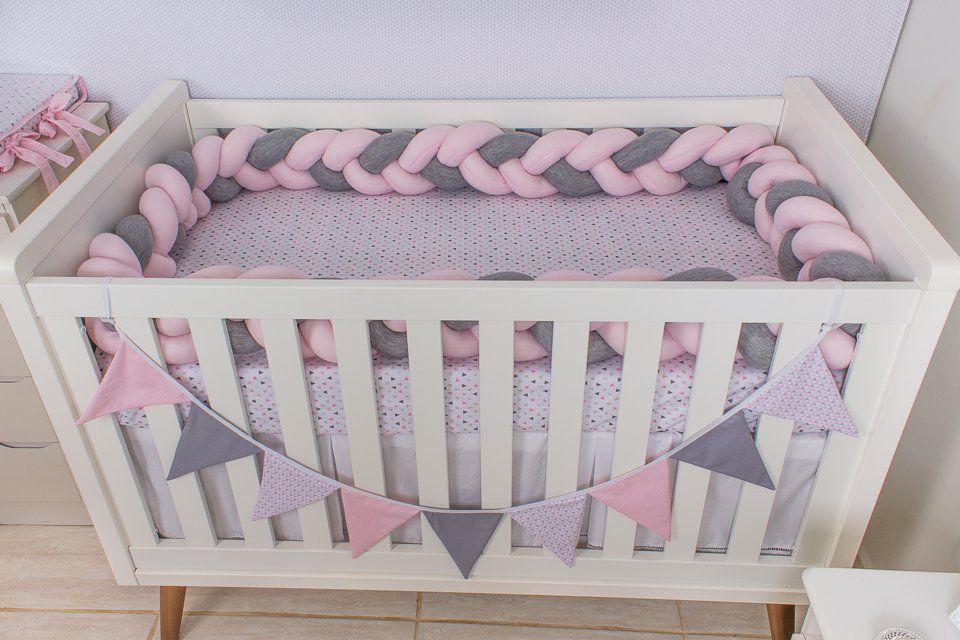 Protetor de Berço em Trança Rosa Bebê e Cinza Mescla 4m