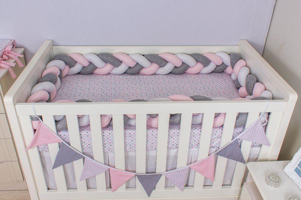 Protetor de Berço em Trança Rosa Bebê,Cinza Mescla e Branco 4m  - Toca do Bebê