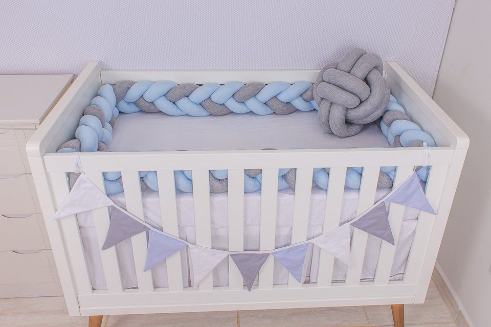 Protetor de Berço em Trança Azul Bebê e Cinza Mescla 4m