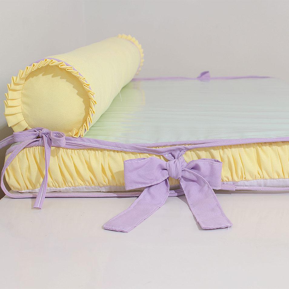 Trocador de cômoda aquarela lilás com rolo protetor  - Toca do Bebê