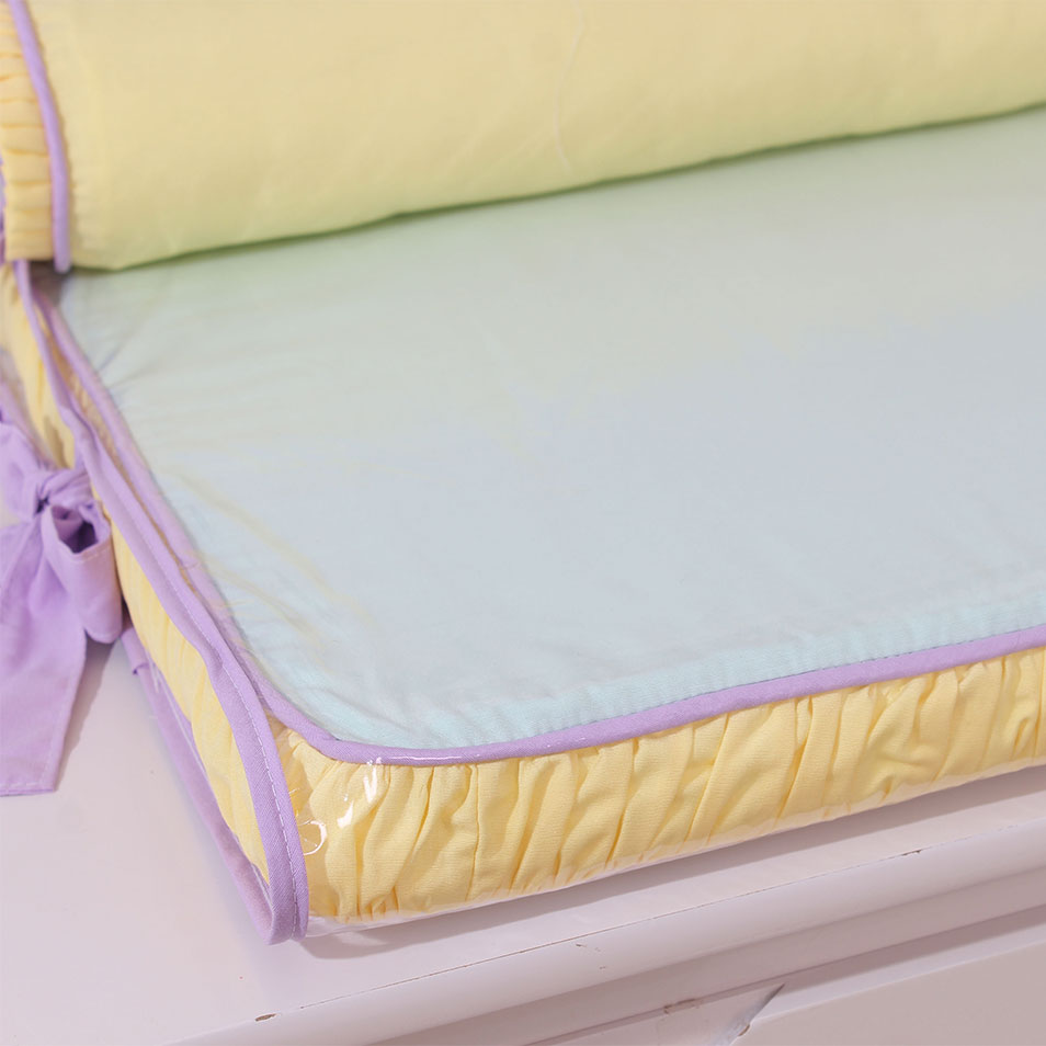 Trocador de Espuma para Cômoda Aquarela Lilás com Rolo Protetor  - Toca do Bebê