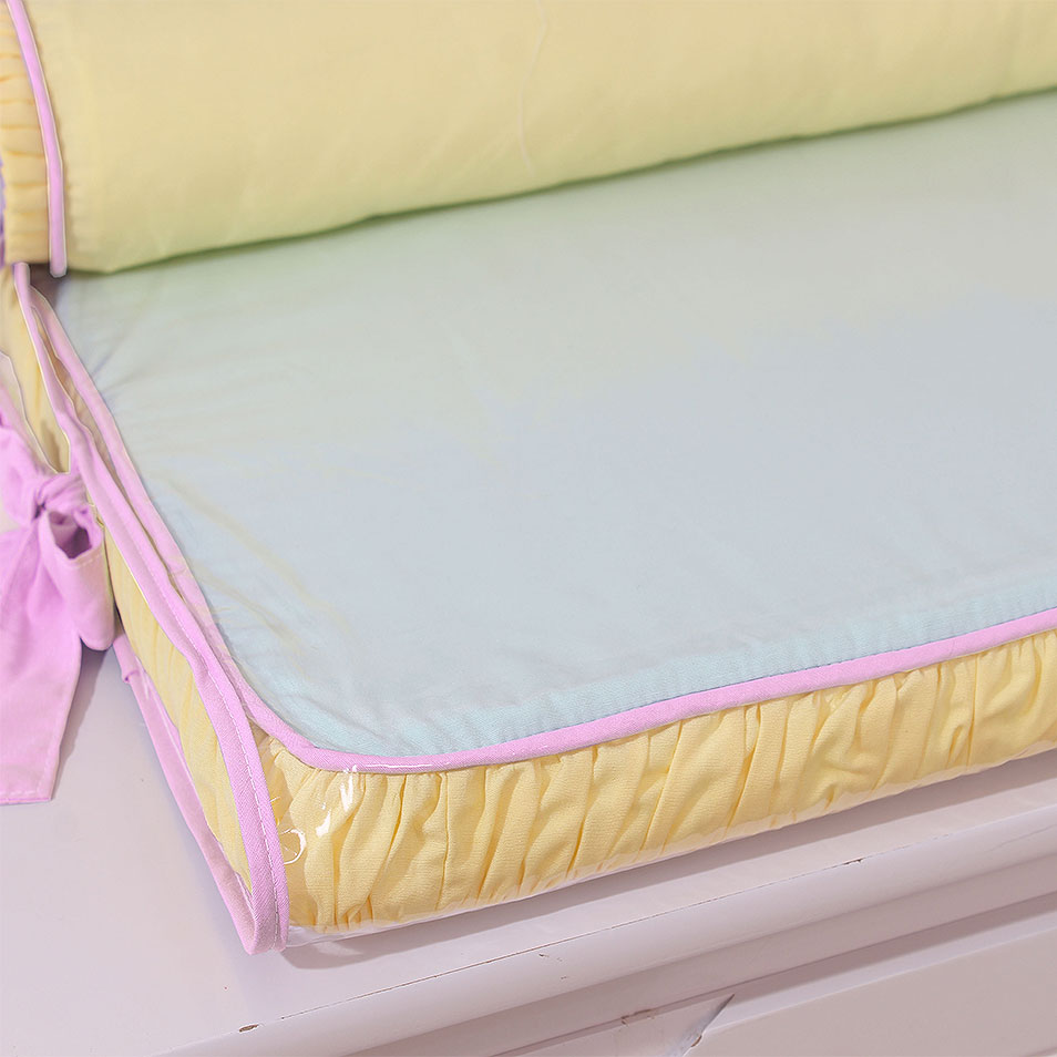 Trocador de Espuma para Cômoda Aquarela Rosa com Rolo Protetor  - Toca do Bebê