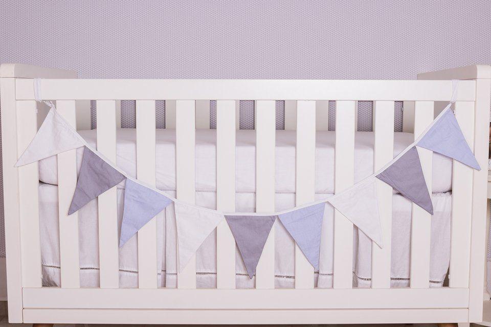 Varal Decorativo de Bandeirinha Branco,Cinza e Azul Bebê  - Toca do Bebê