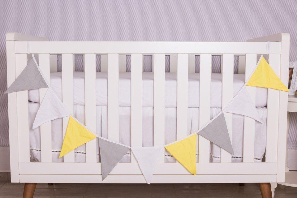 Varal Decorativo de Bandeirinha Cinza,Branco e Amarelo  - Toca do Bebê