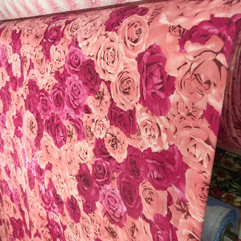 Tecido Jacquard Estampado Floral Rosa e Pink - 2.80m de Largura