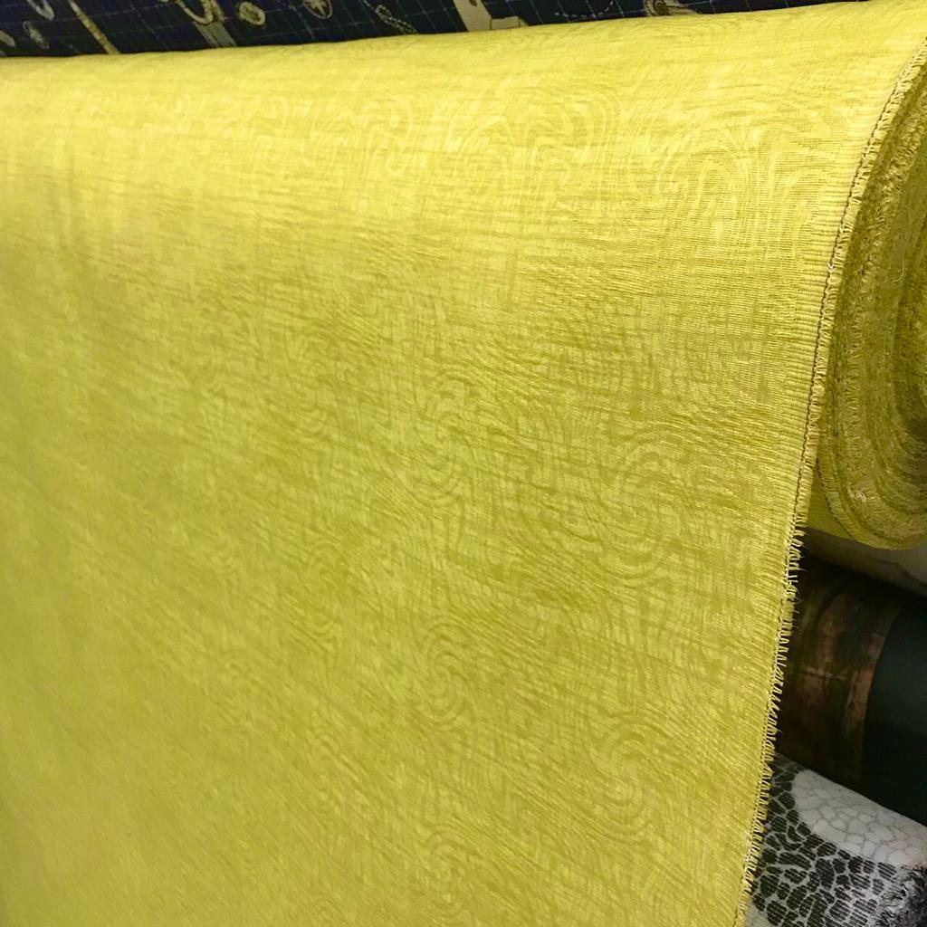Tecido Jacquard Liso Amarelo Claro - 1.40m de Largura