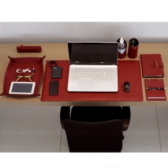 Home Office em Couro Bordeaux