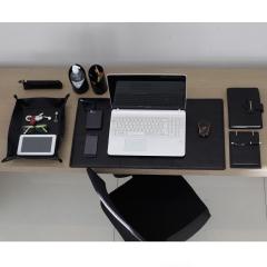 Home Office em Couro Liso Preto