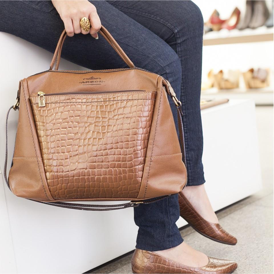 Bolsa de Mão em Couro Bronze