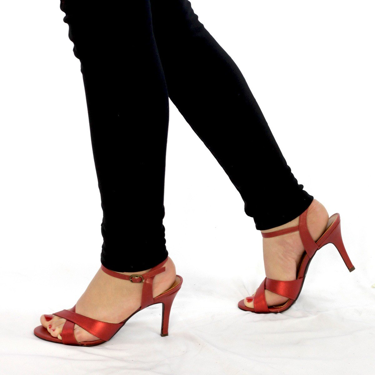 Sandália Couro com Salto Fino Vermelha