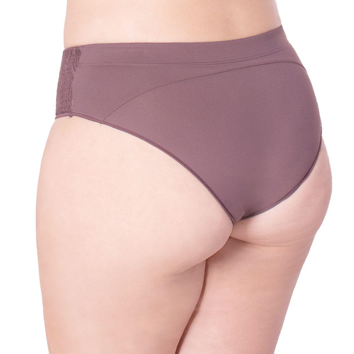 Calcinha modelo tanga com cintura alta Linha Mãe Nayane Rodrigues