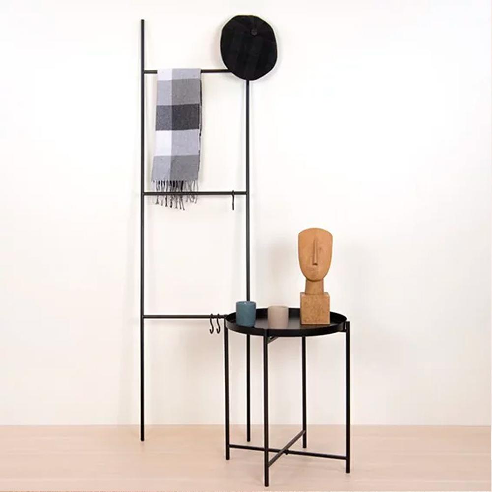 Escada Decorativa Preta Em Metal 1,55 x 40cm D'Rossi