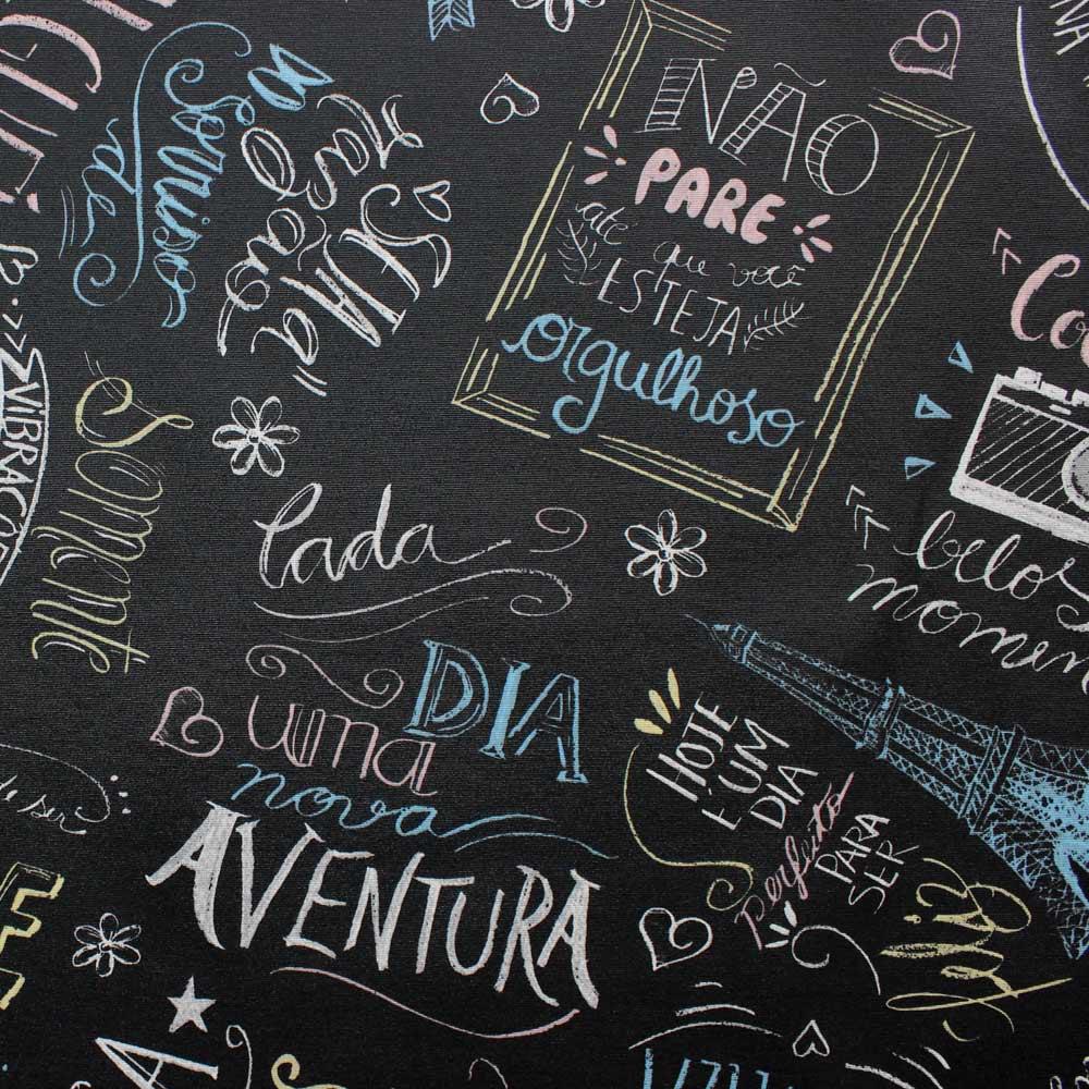 Poltrona Opala Estampado Preto Escrito D62 e Suede Grafite Pés Palito Castanho D'Rossi