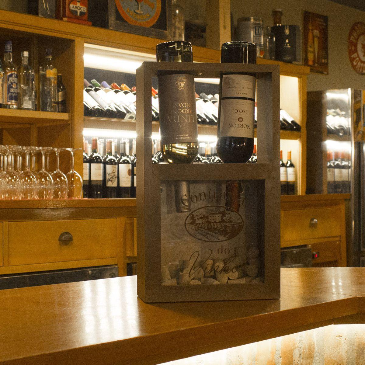 Adega Porta Vinhos e Rolhas Confraria do Vinho Decorativo